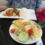 Thaisalat als Appetizer u. Basil-Beef