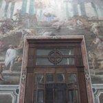 Controfacciata della chiesa dipinto da Luca Giordano