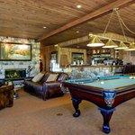 Lobby & Club Room