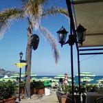 Вид на море с террасы ресторана