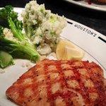 ภาพถ่ายของ Houston's Restaurant