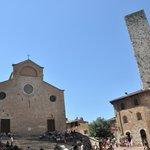plaza central de San Gimignano