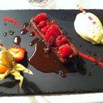 Dessert au chocolat et fruits rouges pour moi