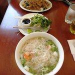 Noodles in zuppa e alla piastra