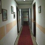 hotel passage (1st floor)