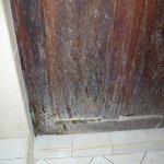 Zimmertür zum Bad
