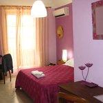 Modernes Zimmer mit Terasse