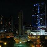 Vista noturna do apartamento