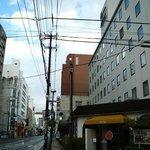 盛岡城跡公園へ続く車道沿いに建っているホテルです。