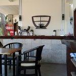 Photo de Santhi Bar
