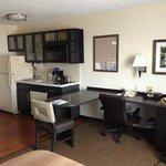kitchenette & work table/desk