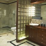 Azure kingfisher Suite -bathroom