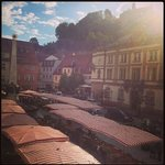 View from breakfast room to the market place, top right castle :)