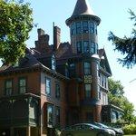 Queen Anne Country Villa