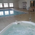 Heated Pool & Jacuzzi Hot Tub