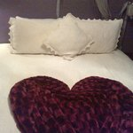bed with heart