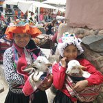 Local children in Pisac