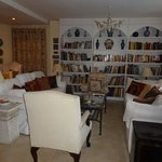 The sitting room - lots of books to while away the time