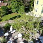 Een zonovergoten tuin