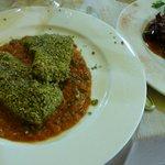 Tono fresco impanato al Pistacchio & Caponata.
