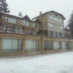 El hotel mientras nevaba...   :)