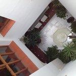 Vista dalla nostra camera (praticamente è la hall dell'hotel)