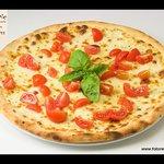 Focaccia pomodorini e basilico