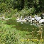 La rivière sur le camping