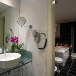 Castle View Junior Suite Bathroom with a Jacuzzi Tub