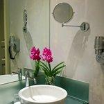 Castle View Junior Suites & Maisonette Room Bathroom