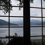 広縁より中禅寺湖を望む