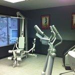 24 hr fitness center..yes!!! :)