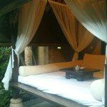 Außenbett in der Campuhan Villa