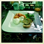 Healthy option breakfast - Salmon with poached eggs