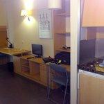Cocina y salón de la habitación