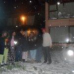 la familia en una nevada en bungalow unsur