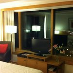 Zimmer 2002 - Blick vom Bett bei Nacht