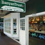 BanyanTreats Front Street Entrance