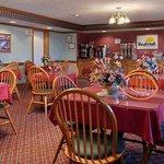 Photo de Days Inn Amherst