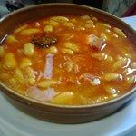La típica fabada asturiana.