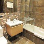 Baño Standard / Bathroom