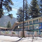 Stateline Economy Inn & Suites