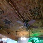 天井には豆袋が貼ってあります