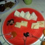formaggi ricotta, marmellate e cioccolato piccante