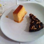 creme caramel e torta di mele e pinoli