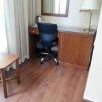 Small desk (Double room)