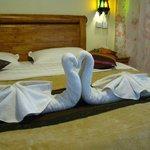 Romantic towel arrangement
