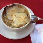 """""""Sopa de cebolla"""", no estaba en la carta pero en Hotel Real de Minas San Miguel de Allende me cu"""
