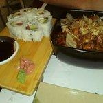 Yakisoba + sushi
