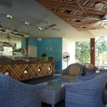 Brizzo Pool Bar